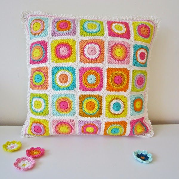 How to Make a Colorful Cushion Cover Models