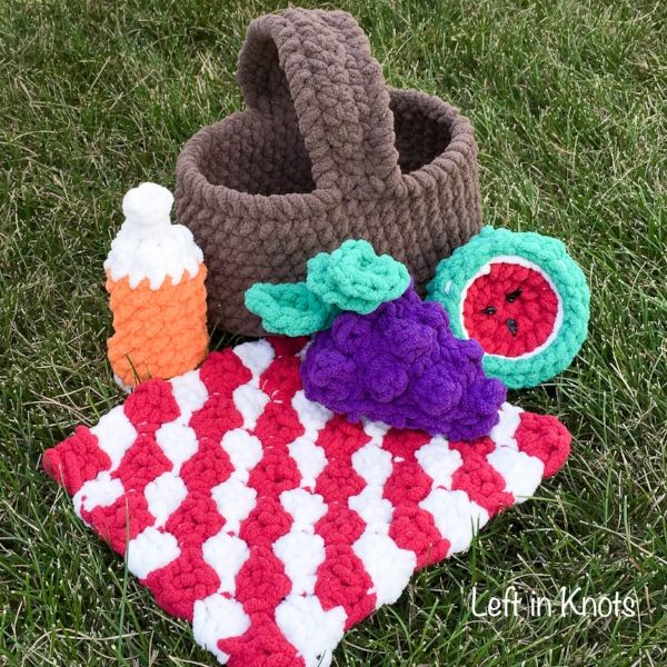 How to Knit a Picnic Blanket
